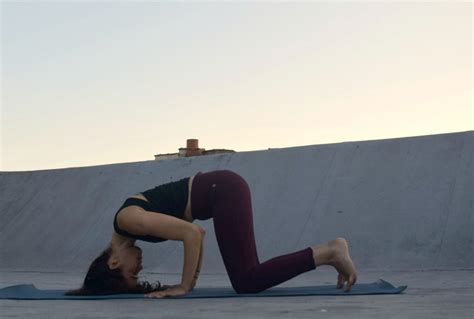 yoga headstand tutorial how to do tripod headstand argentina rosado yoga