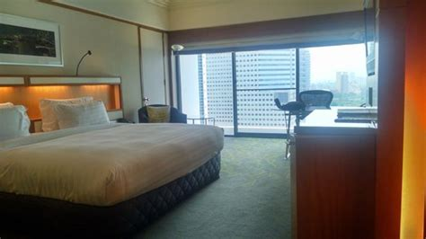 pan room deluxe room king size bed picture of pan pacific singapore singapore tripadvisor