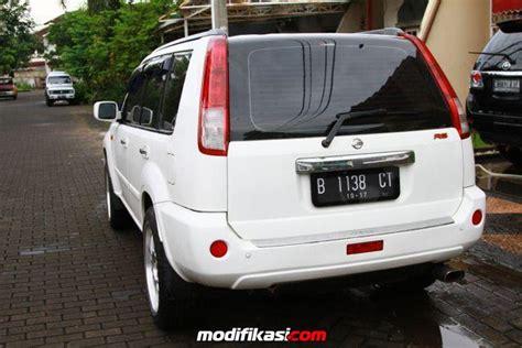 Jual Karpet Mobil Nissan Xtrail bekas nissan xtrail st 2005 putih bagus banget