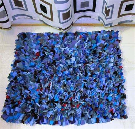 Make Shaggy Rag Rug by Make A Sturdy Shag Rag Rug Of T Shirts Well Waterboy Products