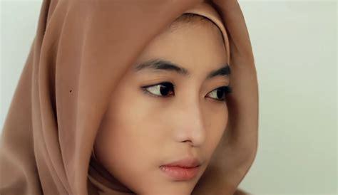 Tutorial Makeup Natural Ke Kus | make up muslimah sehari hari nutrition ftempo