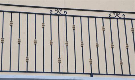 ringhiere per terrazzi prezzi ringhiere in ferro battuto per balconi esterni terminali