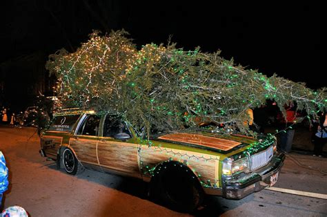 griswold christmas tree on the car are you the cameraman parade in clayton new york 13624