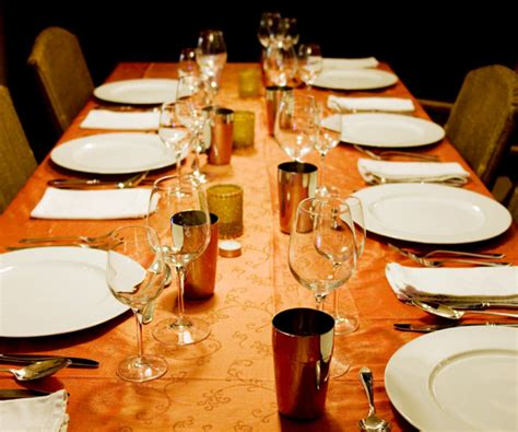 Dining Table Seating Etiquette Thanksgiving Seating Plans And Etiquette