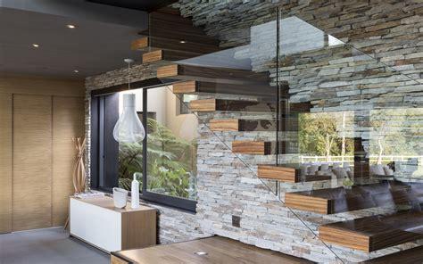 steinplatten wand glass wood stairs wall