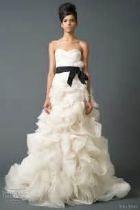 vera wang wedding dress vera wang wedding dresses fall 2011 bridal collection wedding inspirasi