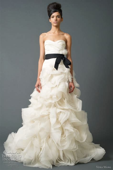 Most Fabulous Vera Wang Wedding Gowns Bridal Collection by Vera Wang Wedding Dresses Fall 2011 Bridal Collection