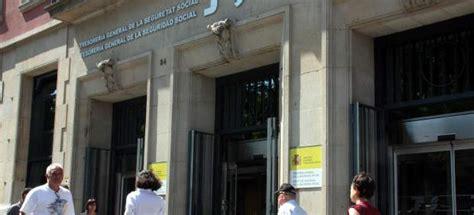 oficinas de la seguridad social en valencia 58 detenidos en tarragona por estafar casi un mill 243 n de