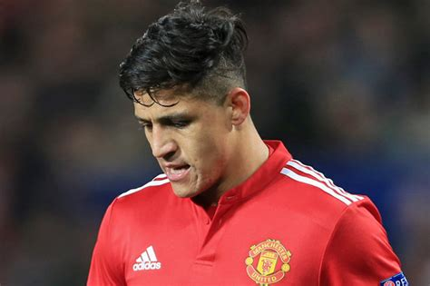 alexis sanchez lifestyle man utd news alexis sanchez is disliked by his team mates
