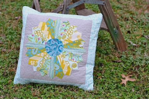 How To Make A Quilted Pillow Sham by Tips For The Pillow Arrangement On Craftsy