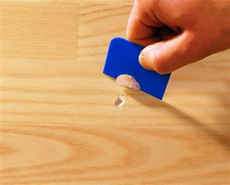 laminat kratzer entfernen so werden kratzer im laminat behandelt parkett laminat