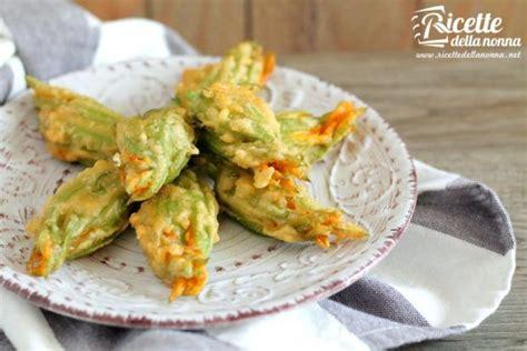 ricetta di fiori di zucca in pastella fiori di zucca in pastella ricette della nonna