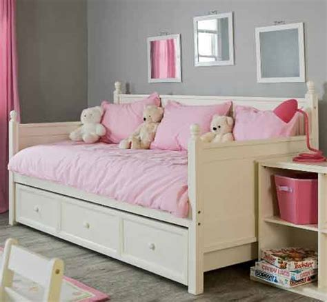 kids day beds the perfect daybed for kids home considerations
