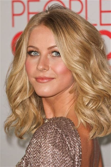 juliannehough curly bob julianne houghs wavy bob hair pinterest