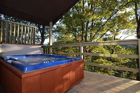 Gatlinburg Cabins With Tub by Free Attraction Tickets Secluded Homeaway