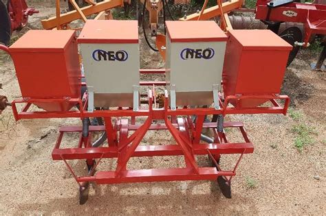Planter Sale by 2013 Bell 2 Quot Maze Planter Planters For Sale In Limpopo R