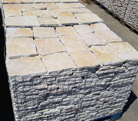 piastrelle in pietra piastrelle in pietra di trani retrosegata da rivestimento
