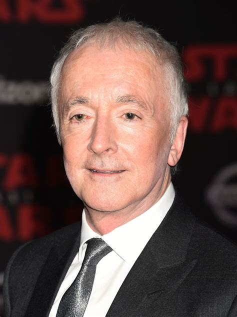 anthony daniels cameo solo solo a star wars story confirms anthony daniels but not