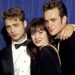 beverly hills 90210 original cast of now sensaci 243 n de vivir story o los trapos sucios de brandon