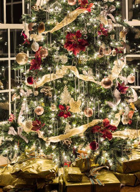 sch 246 ner weihnachtsbaum nachts stockbild bild 36263295
