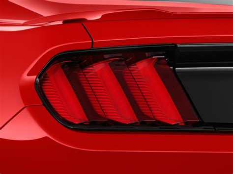 image 2017 ford mustang gt premium fastback tail light