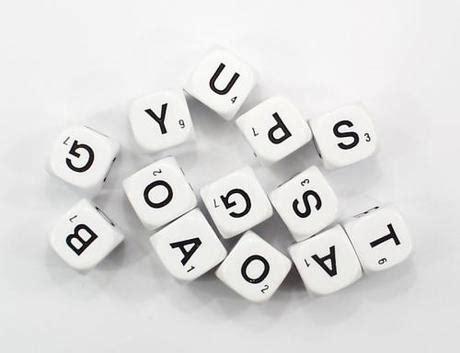 scarabeo lettere lettered tetris e scarabeo combinati in una grafica