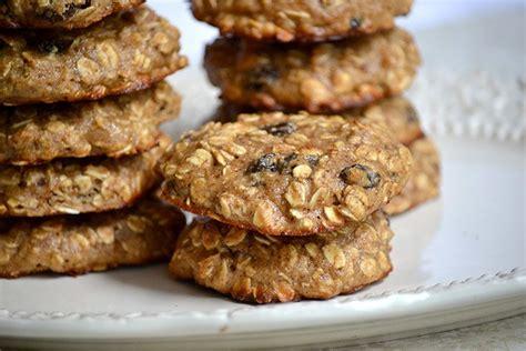protein oatmeal cookies eason s protein oatmeal raisin cookies