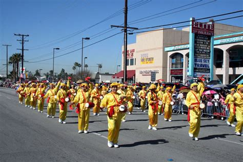 new year parade california united states falun dafa practitioners welcomed in