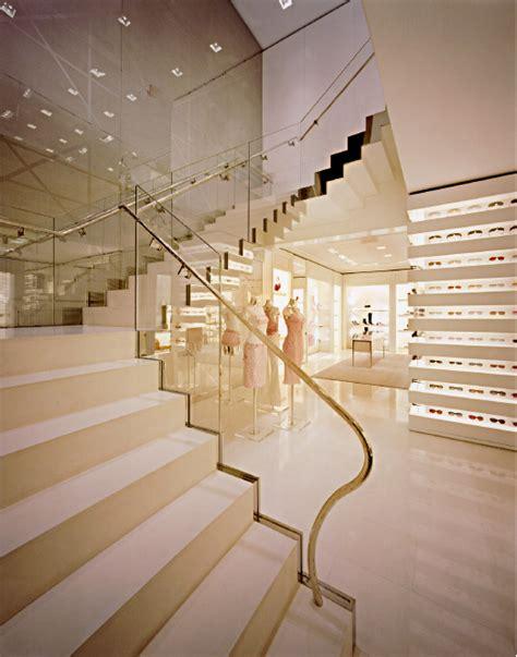 interior layout review glamshops visual merchandising shop reviews dior