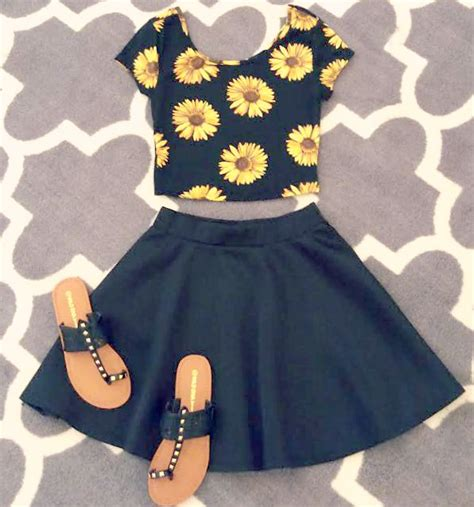 Or Not Ravels Big Flower Shoes by Black Skater Skirt Floral Crop Top Not A Big Fan Of