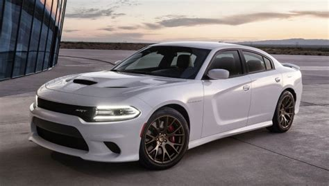 Dodge Charger SRT Hellcat ? 707 hp V8 muscle saloon