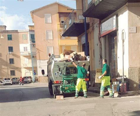 cronaca di porto empedocle a porto empedocle ripresa la raccolta dei rifiuti