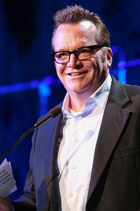 tom arnold psych tom arnold will play a paranormal police consultant on psych