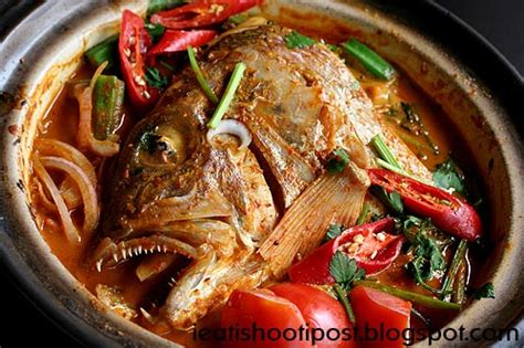 Will You Eat Fish With The Heads Still On by Top 10 Things To Eat In Singapore Ieatishootipost