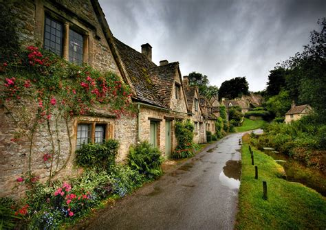 the world s most beautiful villages 10 pics bibury