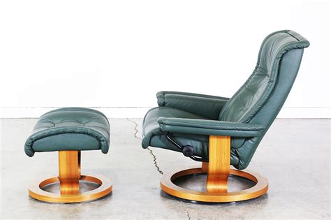 ekornes stressless green leather reclining chair with