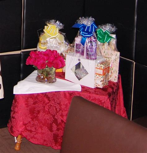 Baby Shower Prize by Preparing Baby Shower Prizes Liviroom Decors