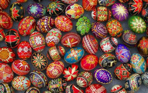 Beautiful Easter Eggs 10 beautiful slavic easter egg decorations to inspire you