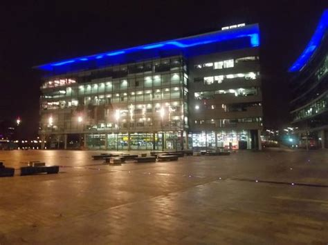 bbc media city picture of holiday inn manchester