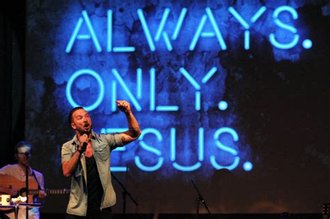 carl lentz tattoos a at the megachurch the new york times