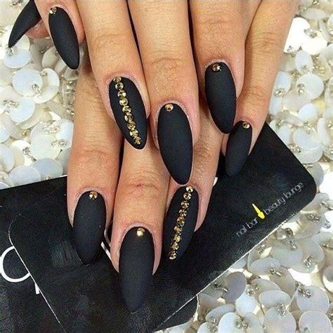 nägel matt schwarz top 20 pięknych i modnych inspiracji na czarne paznokcie