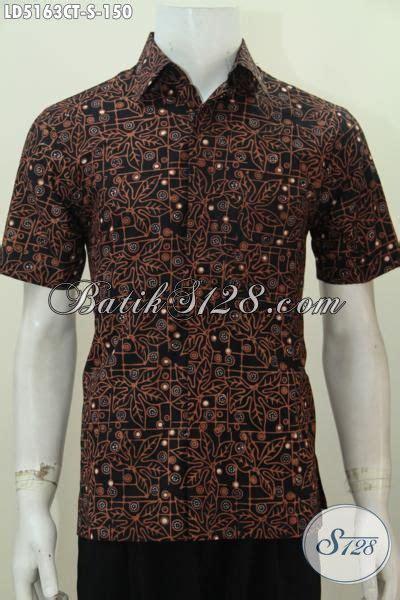 Baju Cowok Jawa baju batik jawa motif terbaru dengan dasar hitam bikin pria lebih gagah dan berkarakter busana