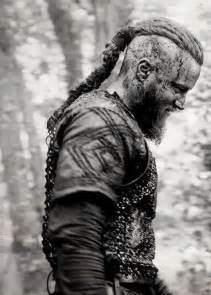 ragnar hair style professional ragnar lothbrok s hairstyle from vikings
