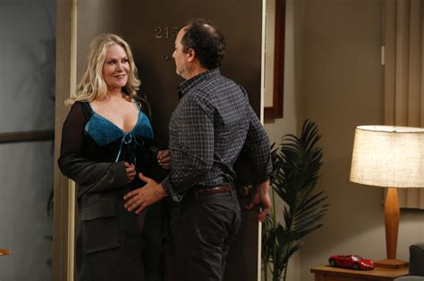 beverly d angelo tv christy meets an attractive neighbor in mom episode 9