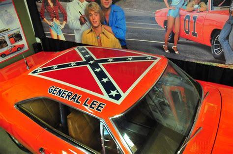 Neues Auto Kennzeichen Behalten by Volo Museum To Keep Hazzard Car With Confederate Flag On
