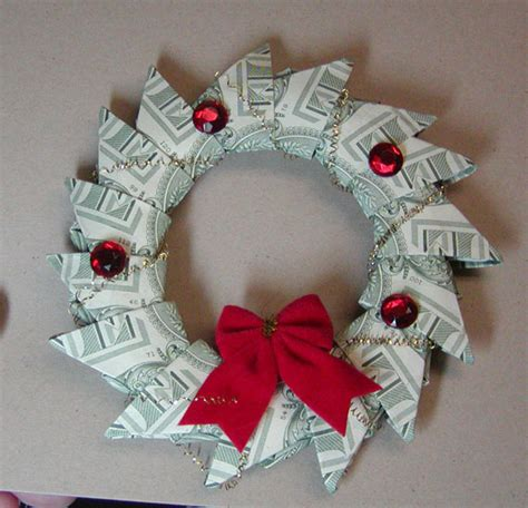 Money Origami Wreath - hog about sting november 2009