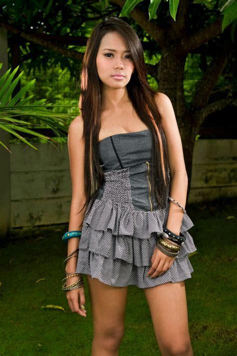 The Iskandaloso Group Filipina Beauties Aj Sachi