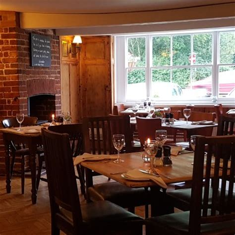 All About Dorking Information On Shops Restaurants And Businesses | the dukes head pub grill dorking restaurant reviews