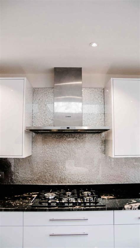 kitchen splashback ideas uk 25 best ideas about kitchen glass splashbacks on