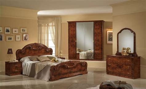 Italian Bedroom Furniture Sets Uk by Italian High Gloss Walnut Bedroom Furniture Set Homegenies